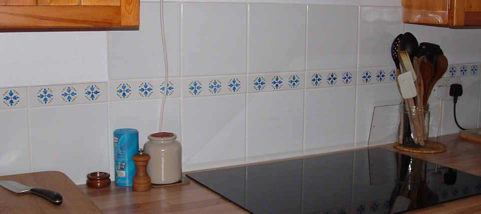 picture of tiled wall